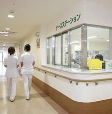 赤十字病院で働く